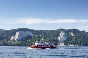 Ganzjährige Schiffstouren der MS Alexander vor der Kreideküste bis zum berühmten Königsstuhl auf Rügen