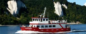 Ganzjährige Bootstouren und Schifffahrten der MS Alexander entlang der Kreideküste des Nationalparks Jasmund und dem berühmten Königsstuhl auf Rügen an der Ostsee